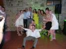 foto di gruppo con gli ospiti e gli sposi
